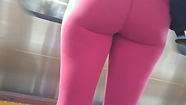 BIG CANDID ASS IN HOT PINK TIGHT YOGA PANTS