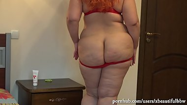 fucks her holes with toys;a beautiful fat woman with a big juicy butt.